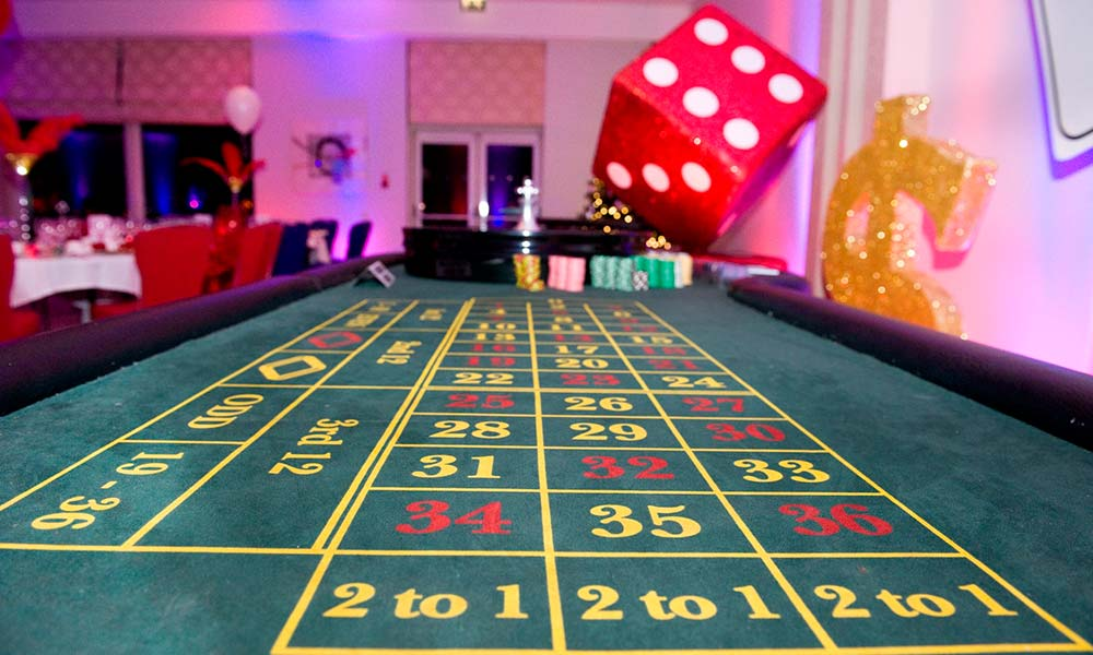 Party Supplies Casino Poker James Bond Themed Table Confetti